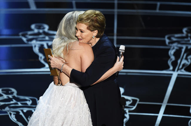 lady-gaga-julie-andrews-oscars-sound-of-music-2015