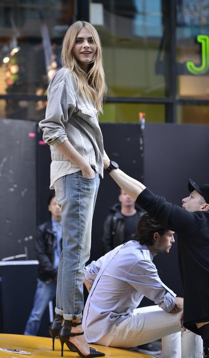 boyfriend jeans delevigne