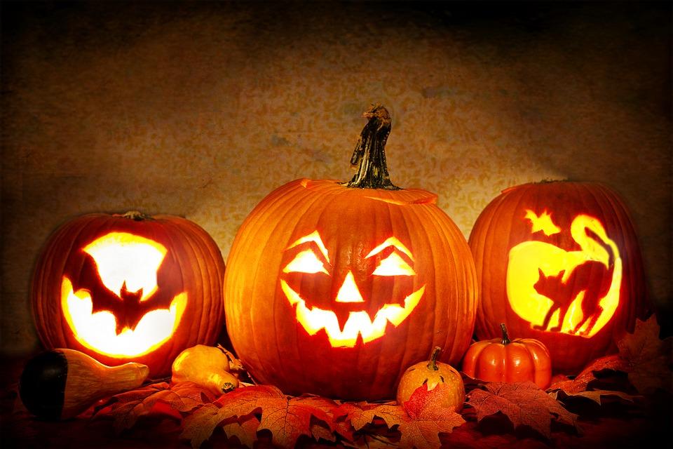 Carving Jack-o-Lanterns - Halloween in America