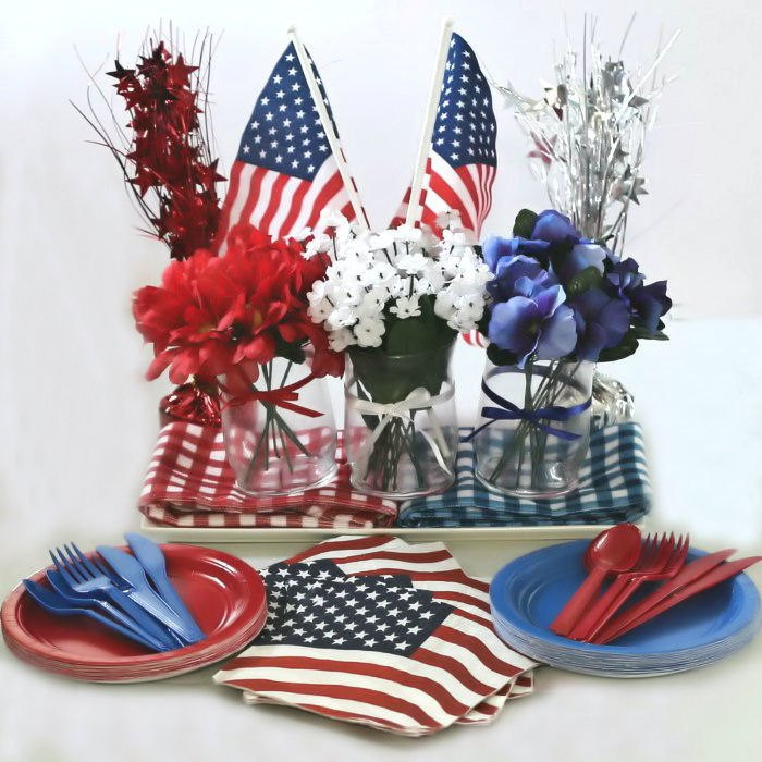 Celebrate Independence Day 2020 in Quarantine - Red White and Blue Decor Ideas