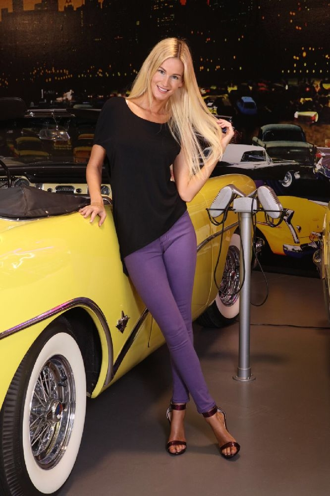 Bullet Blues Sybille Rocker Chic Top and Lady Slim High-Waist Eggplant Skinny Jeans - Made in America