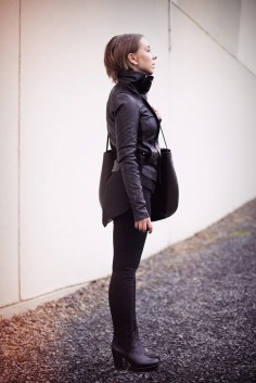Bullet Blues Fall Uniform: Black Skinny Jeans + Scarf