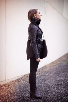 Bullet Blues Fall Uniform: Black Skinny Jeans + Scarf